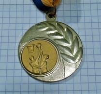 BASKETBALL GOLD MEDAL ~ MEDAILLE, INTERNATIONAL CHAMPIONSHIP / From Yugoslavia, Serbia 29gr - Sports