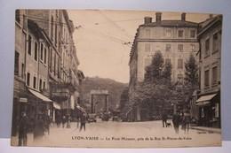 LYON - VAISE    -    Le Pont Mouton , Pris De La Rue St-Pierre-de-Vaise - Autres