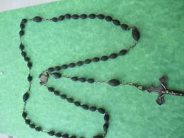Chapelet Religieux Ancien De Communiant/Perles Bois Noires Forme Olive / Mi - XIXéme Siécle                  CAN747 - Religión & Esoterismo