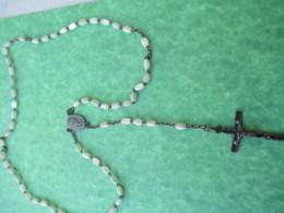 Chapelet Religieux Ancien De Communiant/Perles Verre Irisées Façon Nacre / Mi - XXéme Siécle                  CAN749 - Religión & Esoterismo