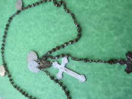 Chapelet Religieux Ancien De Communiant/Perles Métalliques / Avec 4 Médailles / Mi - XXéme Siécle                 CAN750 - Religión & Esoterismo