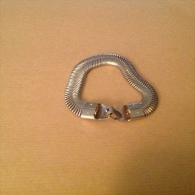 Bijoux. 64. Bracelet En Acier - Bracelets