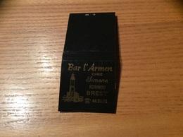 Pochette D'allumettes SEITA «Bar L'Armen Chez Simone KERINOU BREST» (phare) - Boites D'allumettes