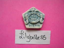 Feve Ancienne Porcelaine Mate PUZZLE - SIRENES - Serie DIEPPE - MIDGARD 2015 ( Feves ) RARE - Regions