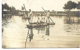49 CARTE PHOTO SAUMUR MILITARIA ECOLE DE CAVALERIE SOLDATS EN RADEAU SUR LE THOUET 1914 CPA 2 SCANS - Saumur