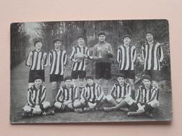 Jongens VOETBAL Ploeg 1930 ( Voir Photo / Zie Foto's ) Anno 1930  Namur (Martin) > BAARLE-HERTOG ( Van De Pol ) ! - Sports