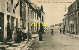 85 Cugand, La Grande Rue Vers La Place, Groupe De Femmes Devant Le Tabac..., Carte Pas Très Courante - Andere Gemeenten