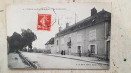 45 - CPA Animée, Belle Animation BONNY-SUR-LOIRE (Loiret) - La Gendarmerie - Malesherbes