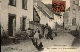 44 - ISSE - La Mère Taupin Au Rouet - Photographe - France