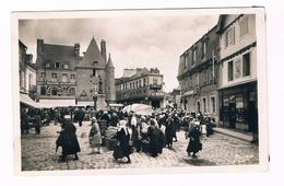 PONTIVY Morbihan La Place Du Martray - Pontivy