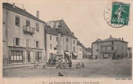 Carte Postale Ancienne De L'Isère - La Tour Du Pin - Place Prunelle - La Tour-du-Pin