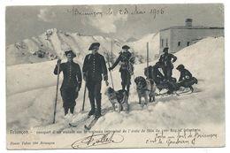 CPA - BRIANCON, TRANSPORT MALADE SUR TRAINEAU, ECOLE SKIS - 159e Reg. D' Infanterie (Chasseurs Alpins) - 05 - Circ. 1905 - Régiments