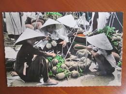 VIET  NAM . MARCHANDES DE PRIMEURS - Viêt-Nam