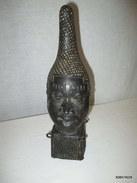 Téte  En Bronze De La Reine D'ifé  Hauteur 34 Cm  Sur 9 Cm - Art Africain