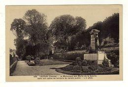 Cpa N° 439 LOUDUN Le Monument Aux Morts De La Guerre Dans Son Cadre De Verdure Du Jardin Public - Loudun