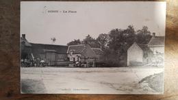 45 - CPA Animée OISON (Loiret) - La Place (L. Lenormand) - Otros Municipios