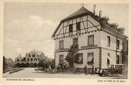 CPA - SUNDHOUSE (67) - Aspect De La Gare Et Du Café De La Gare Dans Les Années 30 - France