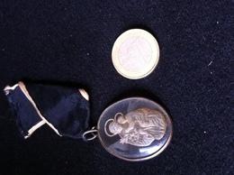 Médaille Verre Intaille XIXs - Pendentifs