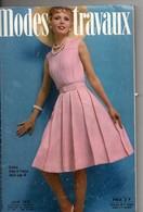 Modes Et Travaux, Juin 1973, ,211 Pages, 2 Patrons, Tricots, Ouvrages, Modèles, Coutures, Galons, Napperons, Crochet - Mode