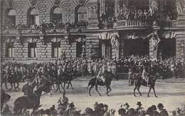 MILITARIA ( 1914 ) Défilé Militaire - 67 STRASBOURG : Le GENERAL GOURAUD Passant En Revue Les Troupes (1918) - CPA - Militaria