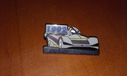 PIN S  PEUGEOT POISSY DANS LA COURSE 1992 - Automobile - F1