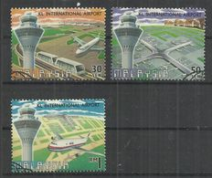 MALAYSIA 1998 - AIRPORTS AND AIRPLANES - CPL. SET - USED OBLITERE GESTEMPELT USADO - Avions