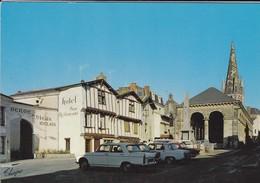 79-----AIRVAULT--( Voiture 404 + R8 + AUTRES )-l'auberge Du Vieux Relais-les Vieilles Halles---voir 2 Scans - Airvault