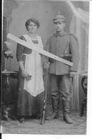 1916 Soldat Allemand Bavarois Avec Sa Femme équipé Pour Le Départ Casque à Pointe Fusil 1 Carte Photo Ww1 1914-1918 1wk - War, Military