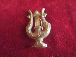 Musique/ Insigne à épingle / Lyre/ Laiton Embouti /Vers 1930 - 1950         PART262 - Other Products