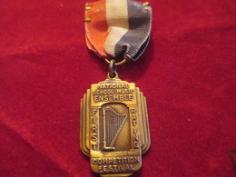Musique/Petite Médaille Pendante/Competition Festival/National School Music Ensemble/Topeka/Kansas/USA/1941     PART267 - Altri Oggetti