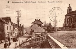 CPA CHATEAUNEUF LA FORET. Rue Centrale, Jardins, église, Voiture Ancienne, 1931. - Chateauneuf La Foret