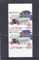 Lettonie Neuf  2013  N° 835a/835b  Europa.  Véhicules Postaux. Issu De Carnet - Lettonie