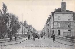 91 - ESSONNES : Entrée De La Rue De Paris ( Bonne Animation - Enseigne Tabac ) - CPA - Essonne - Essonnes