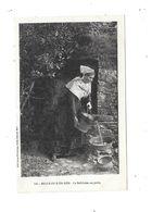 10466 - 56 - BELLE ISLE EN MER : Belliloise Au Puits Et Belliloise élégante, - Belle Ile En Mer