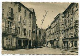 CPm Grand Format 42 : ST BONNET Le CHATEAU Place Du Centre   VOIR  DESCRIPTIF §§§ - France