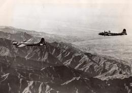WWII Boeing B-29 Superfortress Bombardement De La Mandchourie Ancienne Photo 1943 - War, Military