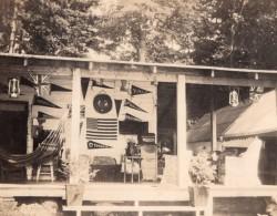 USA Maison D'Etudiant Ou Professeur Fanions D'Universite Lot De Snapshot Photos Anciennes 1920 - Places