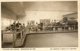 Exposition 1937 - Pavillon Des Tabacs - Machines à Cigarette, Pipes , Rapes - Tabatière - Lot De 3 Cartes - Foires