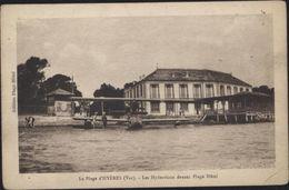 CPA La Plage D'Hyères Var Les Hydravions Devant Plage Hôtel - Hyeres