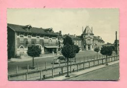 55 - MEUSE - PRESNES EN WOEVRE  Prés VERDUN - PLACE DU GENERAL MARGUERITTE - - France
