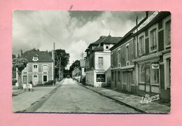 76 - SEINE MARITIME - FREVILLE Prés ROUEN - LA GRANDE RUE Et LA POSTE - France