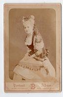 Photo Cabinet Portrait 3/4 Actrice ? Clothilde Amie De Libert , 1er Mars 1878 , Blanc Paris - Photos