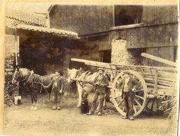 Belle Photo 18/24  - Attelage De 2 Chevaux En File Indienne Tirant Une Grosse Charette Chargee De Poutres - à Localiser - Métiers