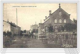 LAMORTEAU ..-- ROUVROY ..-- Passage Du Chemin De Fer . 1920 Vers TOURNAI ( Mme LEJEUNE ) . Voir Verso . - Rouvroy