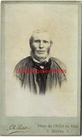 CDV Homme En Costume Avec Surblouse-artiste? Photographe? Petite Ville De MATHA En Charente Maritime-Ch Petit - Antiche (ante 1900)