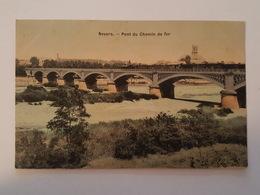 Nevers - Belle Carte Toilée - Pont Du Chemin De Fer - Train Et Locomotive Au Passage - Nevers