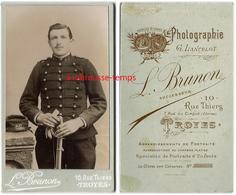 CDV -soldat Du 60e Régiment-photo Brunon à Troyes - Guerre, Militaire
