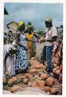 Afrique-- Afrique En Couleurs --Marchandes D'ananas   (très Animée) - Postcards