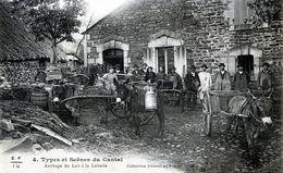 En Auvergne Arrivage Du Lait A La Laiterie Types Et Scenes Du Cantal.superbe - Non Classés