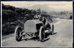"""AUTOMOBILE ANCIENNE - PILOTE """" LANCIA """" SUR VOITURE FIAT - BEAU PLAN - Non Classificati"""